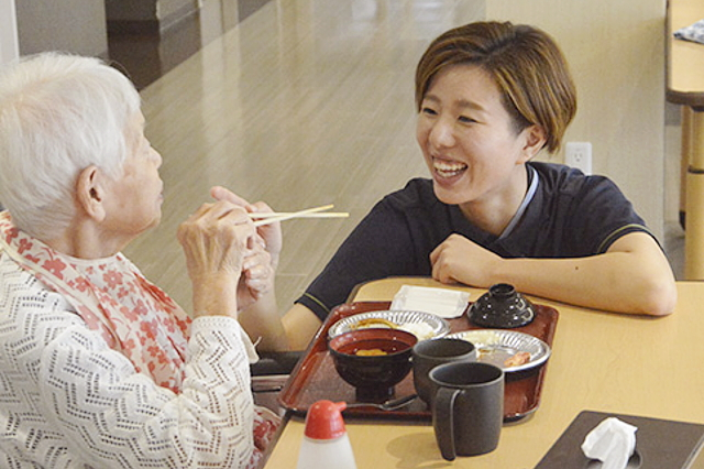 施設系サービス(特別養護老人ホーム・介護付有料老人ホームグループホーム・サービス付き高齢者向け住宅・ショートステイ)の様子1